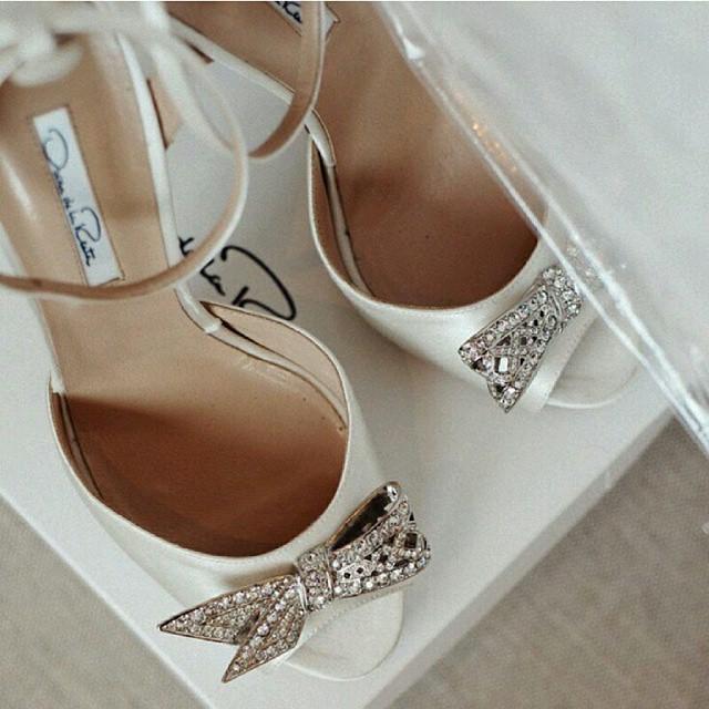 Oscar de la Renta scarpe da sposa foto slubnaglowiepl