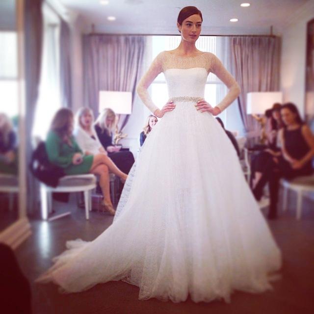 sposa Romona Keveza Fall 2015 foto bridesmagazine