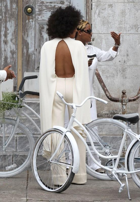 Solange Knowles in tuta da sposa Stephane Rolland