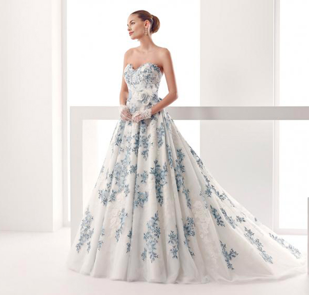 Molto L'abito da sposa azzurro per nozze da fiaba – The Dress IX08