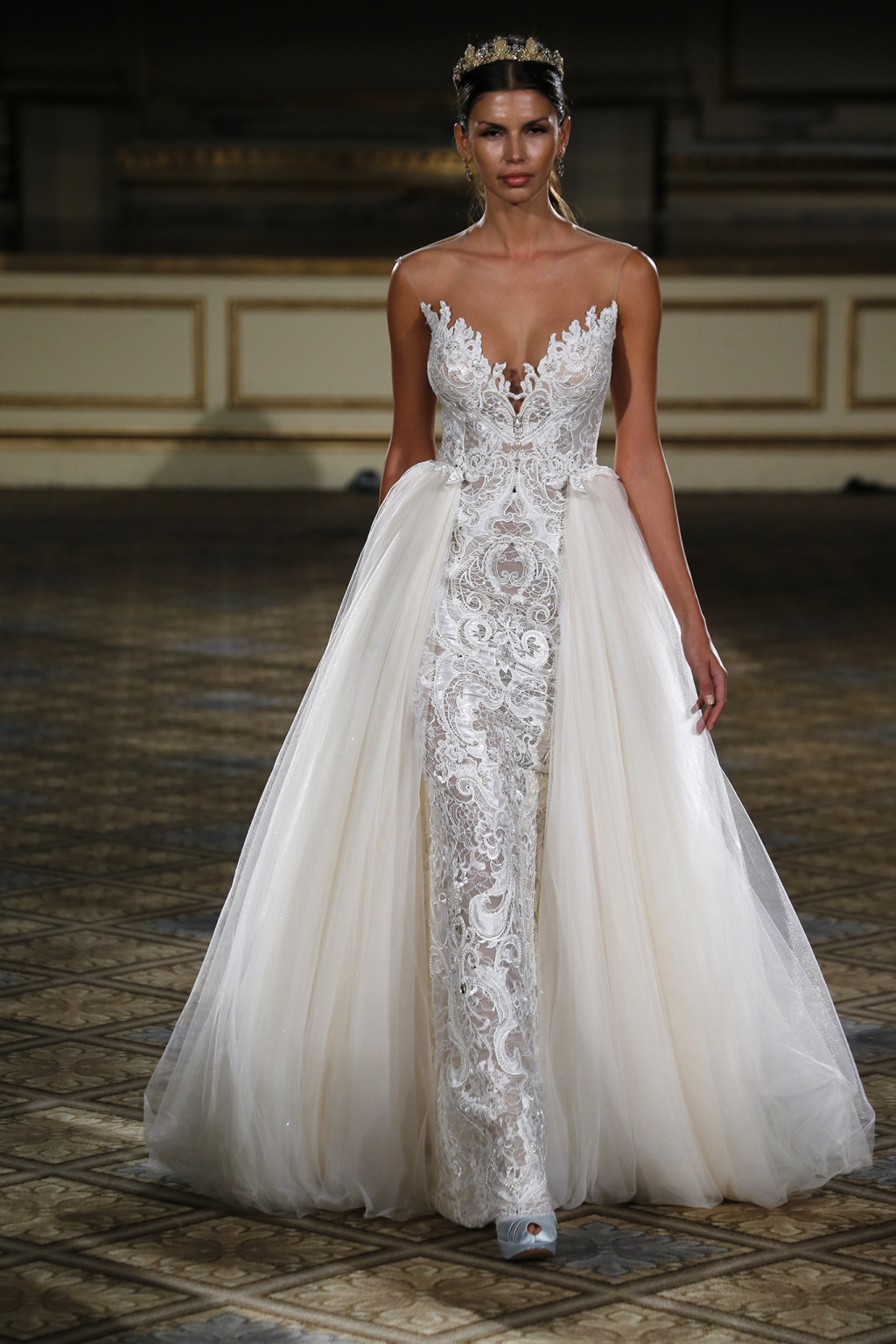 Top Aristocratica e sensuale la sposa Berta Spring 2016 – The Dress LE93