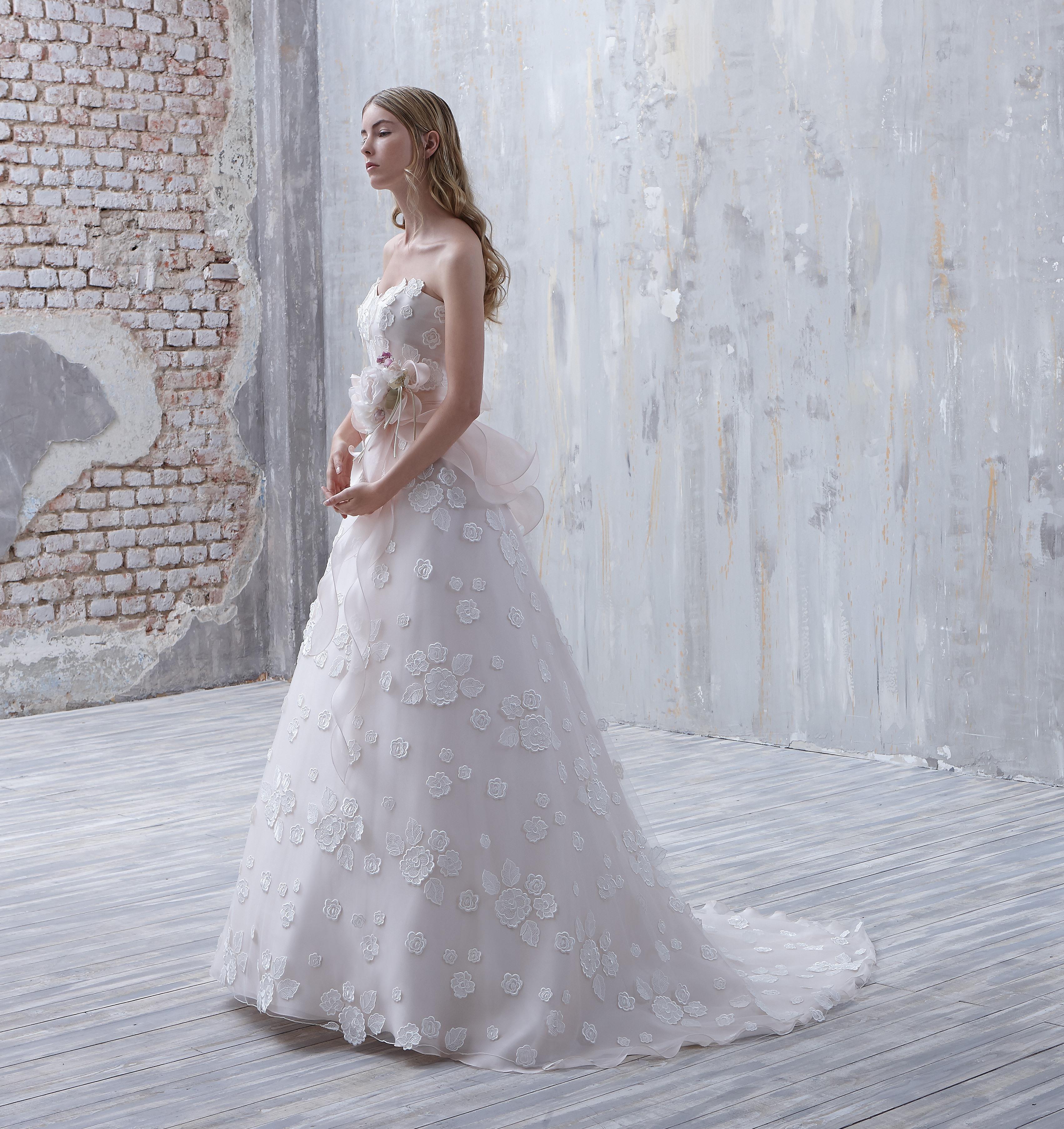 Colore e raffinatezza per la sposa Fio Couture – The Dress 98a241b4dc7