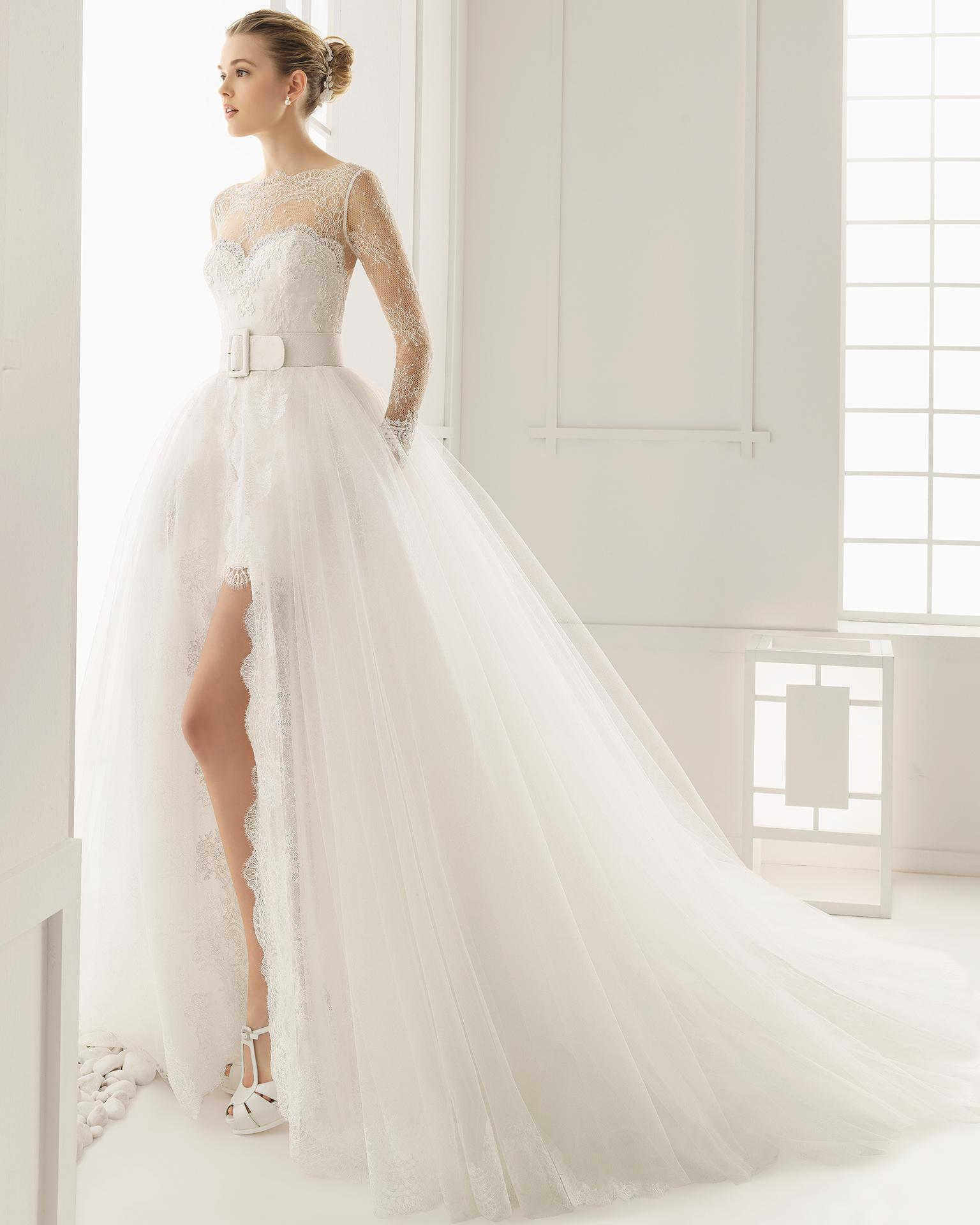 d887d602289e Eleganza senza tempo e glamour anni Cinquanta per l abito da ...