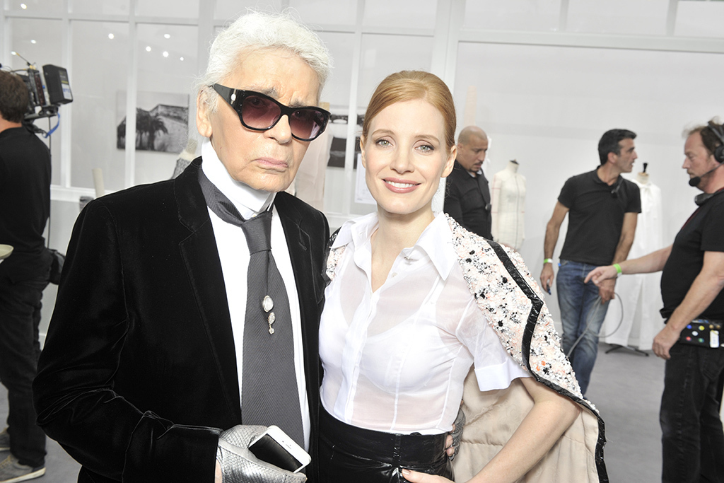 Karl-Lagerfeld-Jessica-Chastain-chanel-couture-fall-2016
