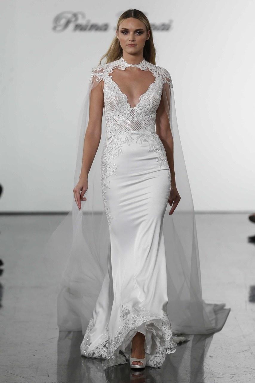 5820800641c1 abito da sposa con mantella Pnina Torai Dream collection 2019