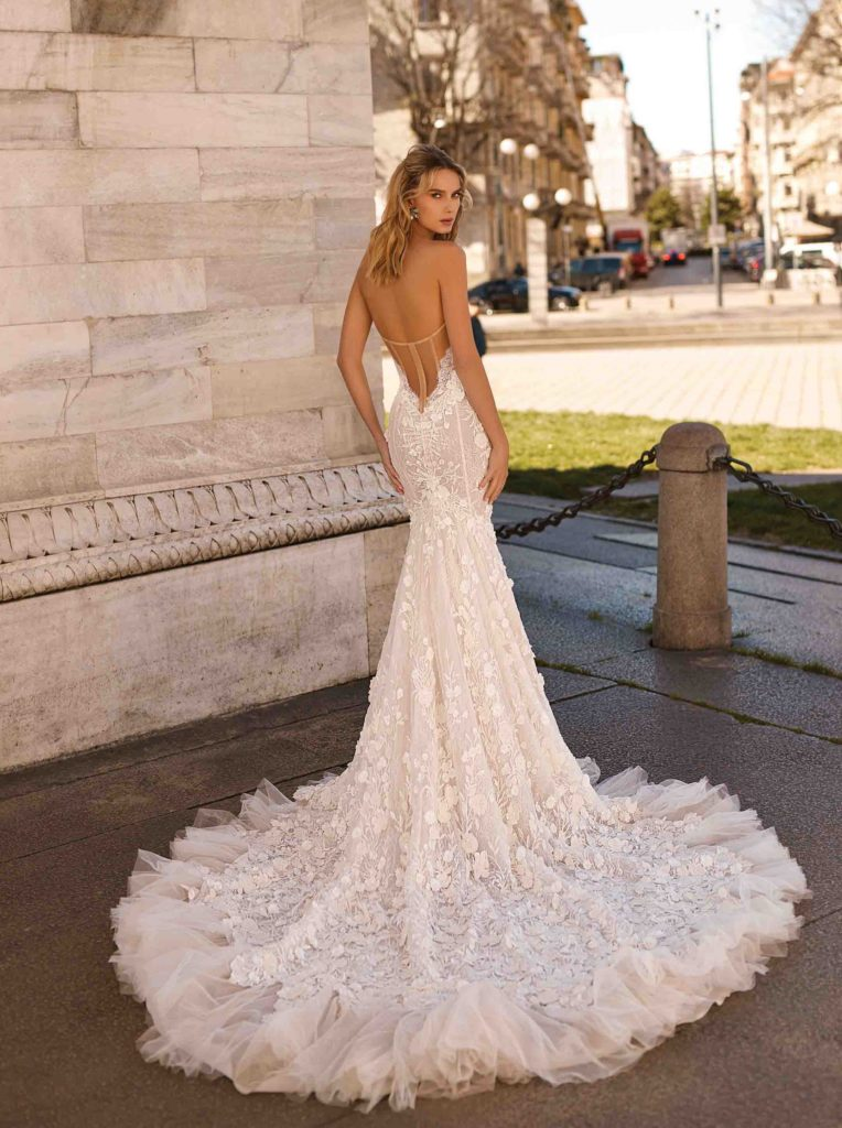 nuovo arrivo 0d146 6efe8 Berta sposa Spring 2020 Milano Collection - The Dress