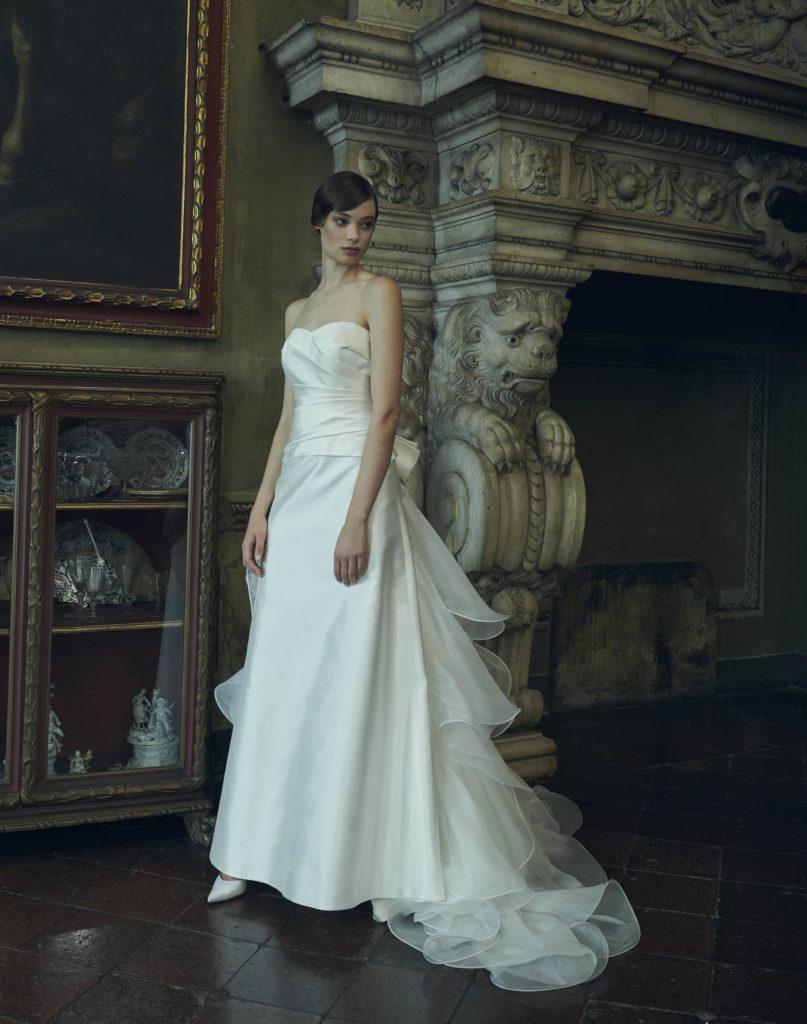 vendita calda online 931df a2cdd Leggerezza e stravaganza couture per la sposa Giuseppe ...