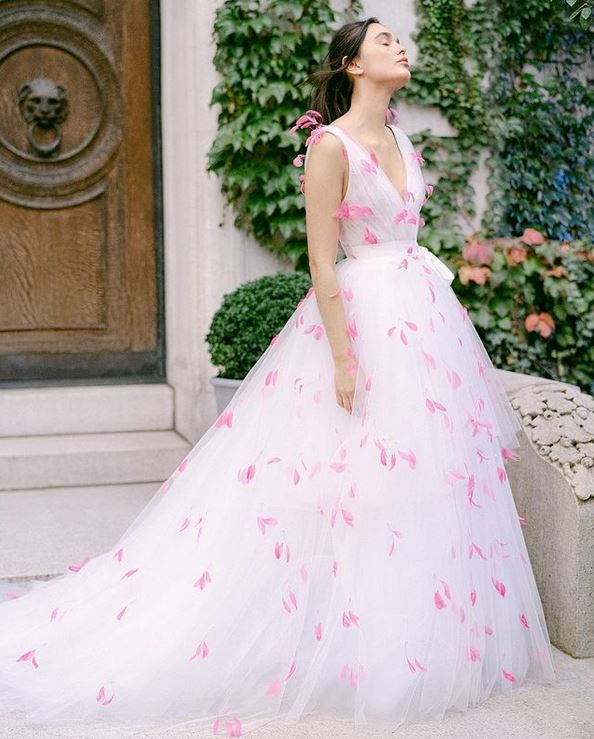 abito da sposa rosa Monique Lhuillier Fall 2021