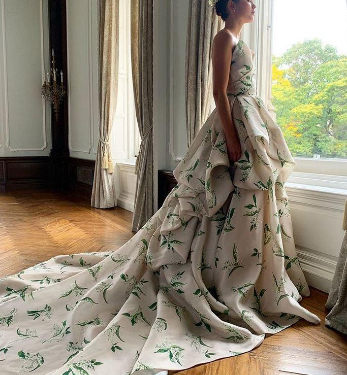 abito da sposa a stmapa floreale Monique Lhuillier Fall 2021
