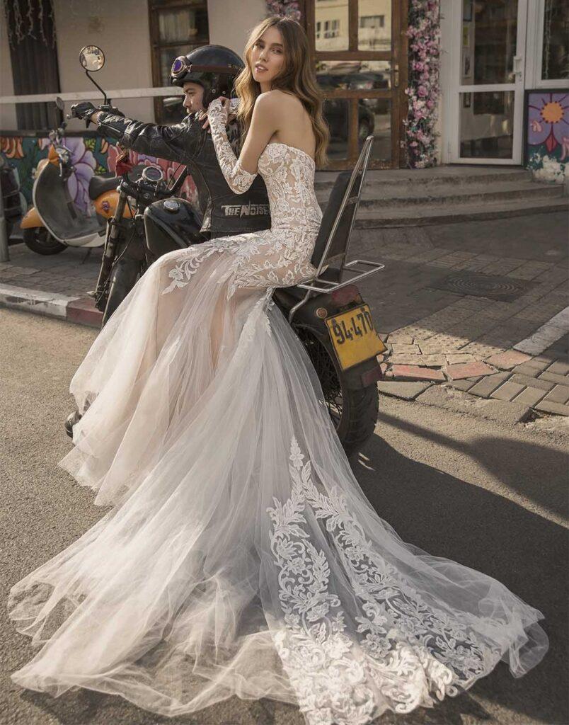 abito da sposa a sirena Pnina Tornai prezzo sotto 3.000 dollari
