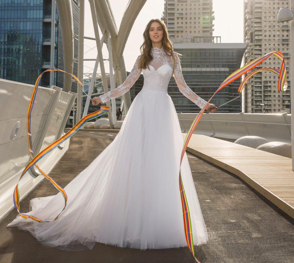 abito da sposa Pnina Tornai in tulle e pizzo prezzo sotto 3.000 dollari