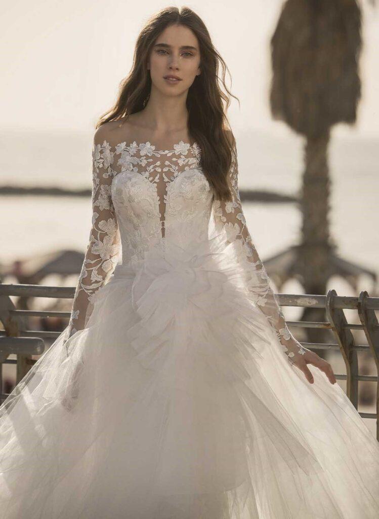 abito da sposa Pnina Tornai in pizzo e tulle prezzo sotto 3.000 dollari