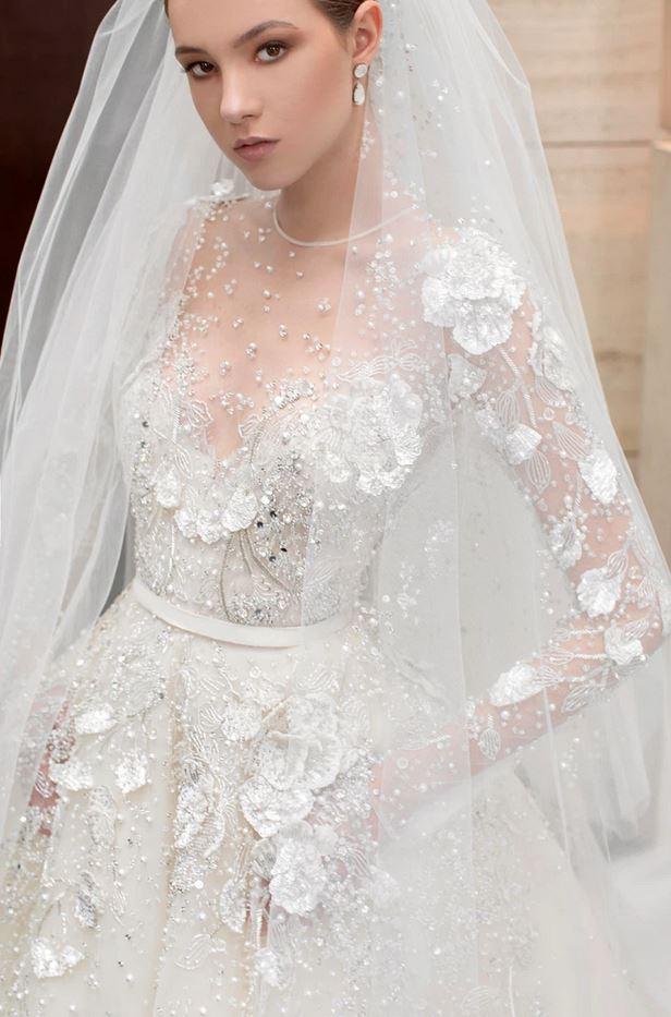 abito da sposa Elie Saab con fiori 3D