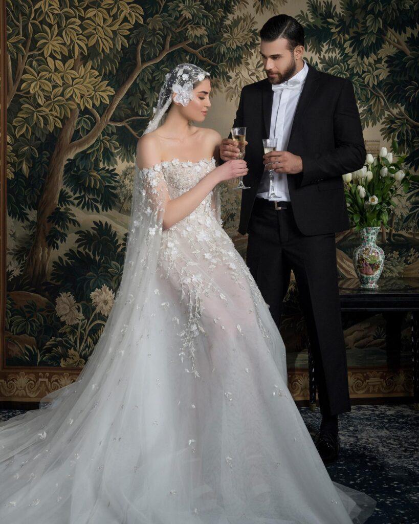 abito da sposa con maniche a mantella Georges Hobeika Spring 2022