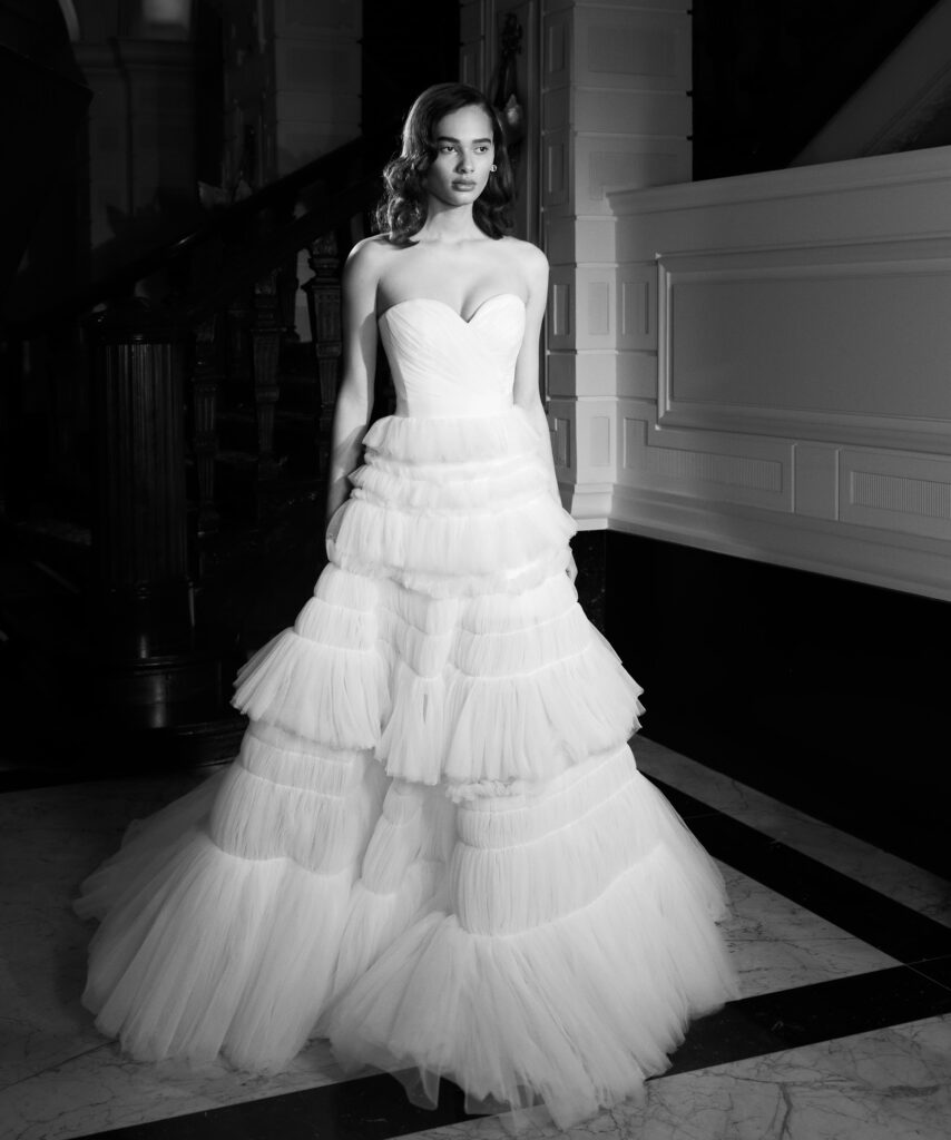 abito da sposa in tulle Viktor and Rolf Mariage_Spring 2022