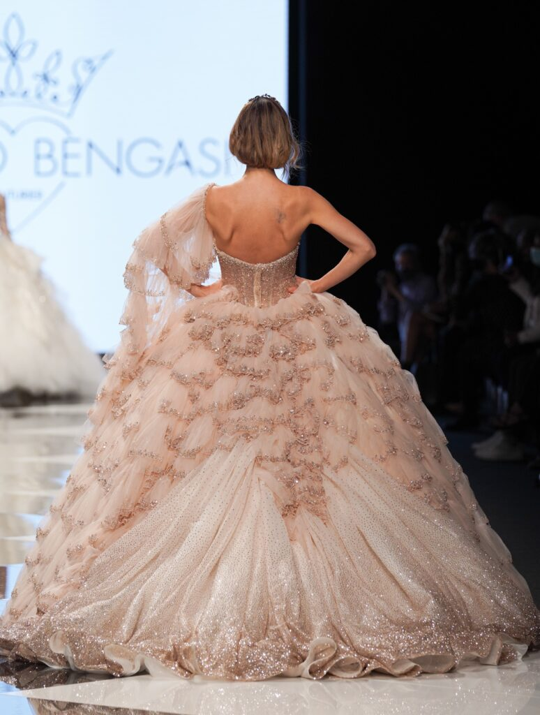 abito da sposa rosa Emiliano Bengasi 2022