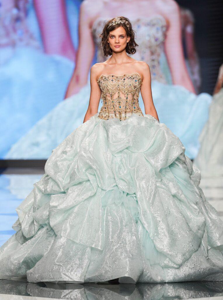 abito da sposa azzurro Emiliano Bengasi 2022